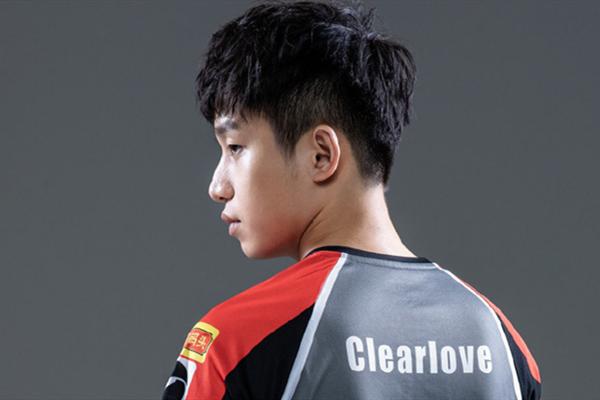 EDG厂长(Clearlove)出现在首发名单上!厂长(Clearlove)7777是什么梗?